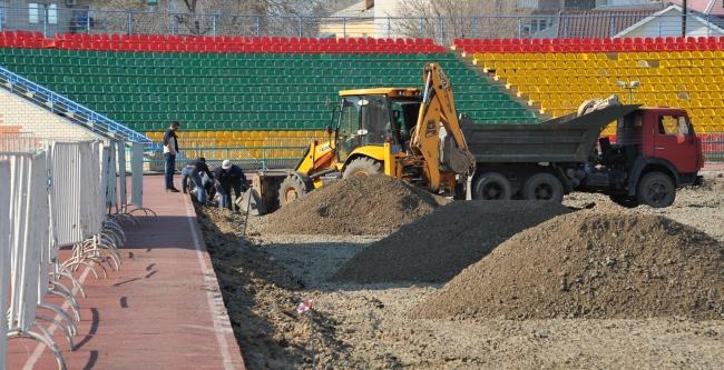 WORKERS ARE ADDING FINAL FLOURISH TO THE MUNAISHY STADIUM